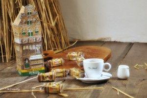 Bijtjes - JB BUSSINK DEVENTER KOEKWINKEL echte Deventer koek anno 1593 : thee- en koffieschenkerij | Brink, Deventer Overijssel