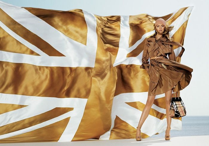 burberry-trench-dress-2006