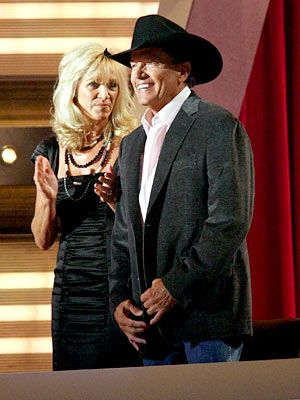 Faith Hill and Tim McGraw, Taylor Swift, Alan Jackson and others honor the country music hit maker, and it all makes for good TV. Honoring elders always has been a ...