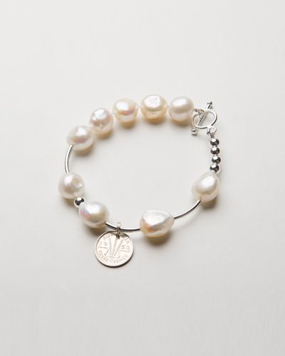 FRESHWATER PEARL & PIPE $49.00  This beautiful bracelet is a delicate sterling silver pipe bracelet on stretch band, crafted with freshwater pearls and is the perfect accompaniment to all of our other bracelets within our collection. Worn alone or with any of our beautiful collection this stunning and simplistic bracelet is the most gorgeous petite addition to any ladies jewellery collection.