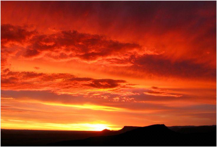 Dramatic sunset @ Valley of Desolation, Graaff-Reinet, 🇿🇦 South Africa...