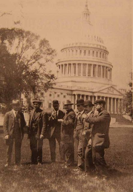 Those Titanic crew members who were required to give evidence to the US Senate enquiry into the sinking were given a tour of the US capital.