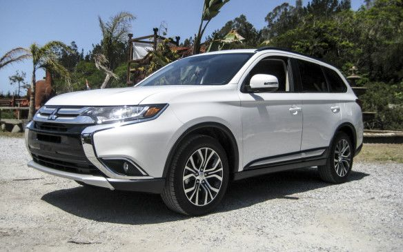 Read our 2016 #Mitsubishi Outlander review.