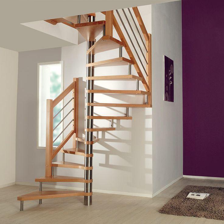 Escalier en hêtre et sans contremarches, d'une élégance hors norme