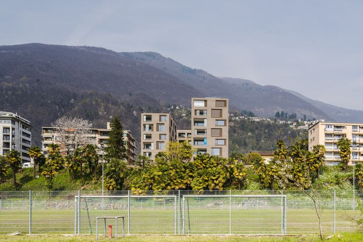 Site. Landscape Solduno is a neighbourhood on the outskirts of the historical centre of Locarno, southern Switzerland. I grew up a few steps from here, in an area of eclectic early 20th century bourgeois mansions and brick condos from the 1960s. Toda