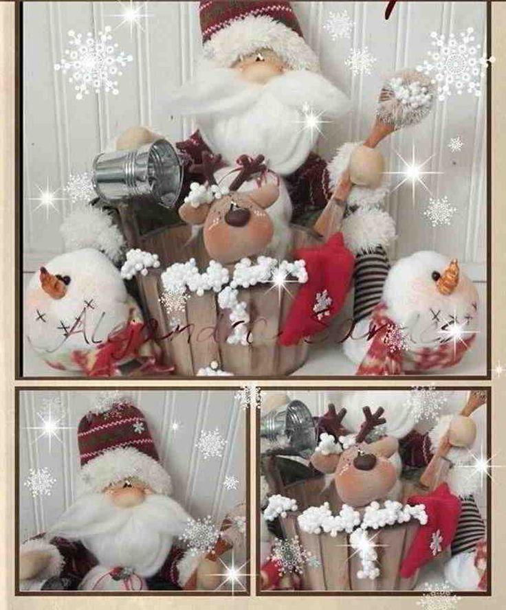 Papa Noel bañando al renito navideño