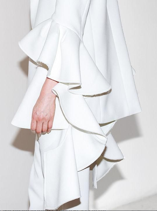 Resort 2016 details: Ellery ruffled sleeves