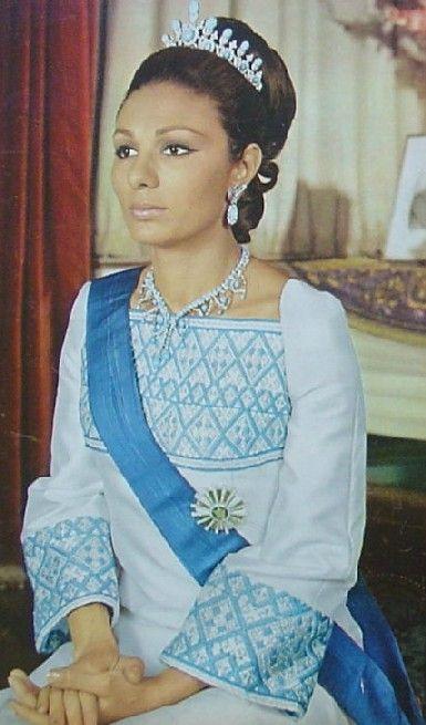 Farah Diba Pahlavi Photos Photos