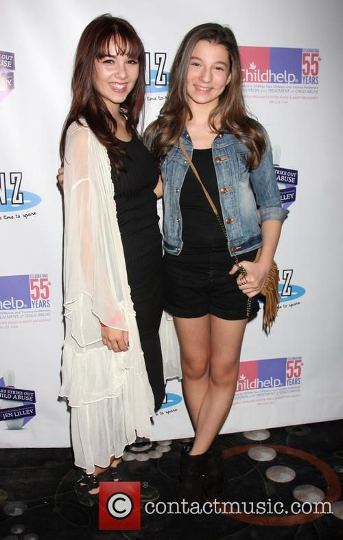 Picture - Haley Pullos and Stephanie Katherine Grant at Pinz Bowling Center Studio City California United States, Sunday 19th October 2014 | Photo 4421332 | Contactmusic.com