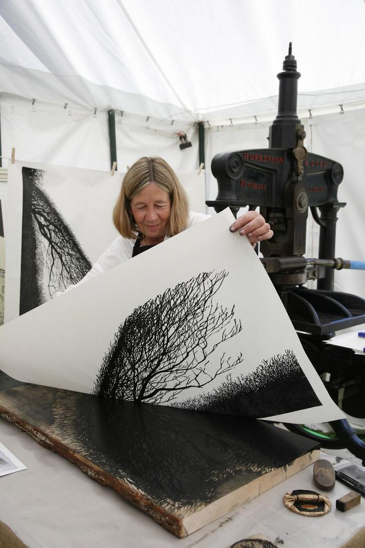 Merlyn Chesterman, printmaking art in her studio #workspace, 2013. woodblock.eu