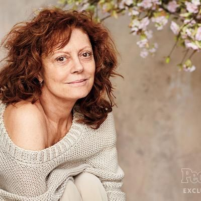 Buzzing: Why Susan Sarandon Posed Without Makeup for the Very First Time  at 69 Years Old
