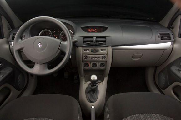 Manutenção e diagnósticos do sistema de ar condicionado do Renault Symbol