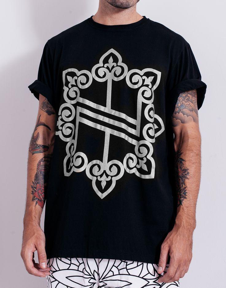 Nemis Oversized Knights Logo Tee Black Silver Main