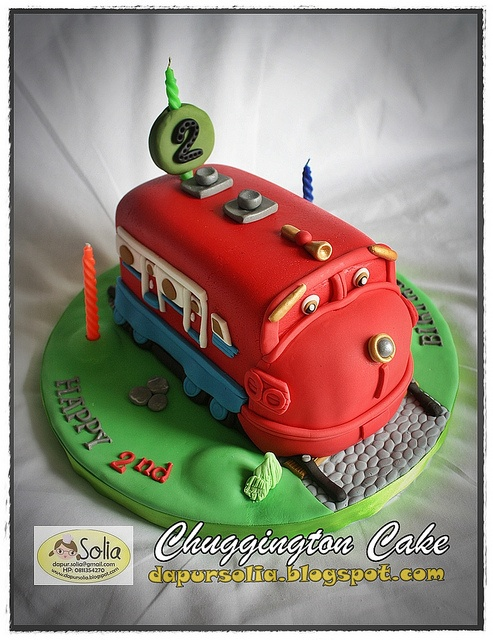 Chuggington Cake for Eshan by Dapur Solia, via Flickr B's 2ND BIRTHDAY INSPIRATION