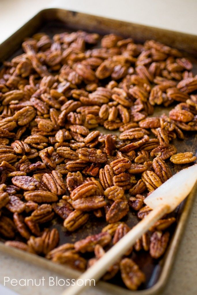 Love these Pumpkin Spice Pecans that take only a few minutes to make. YUM.