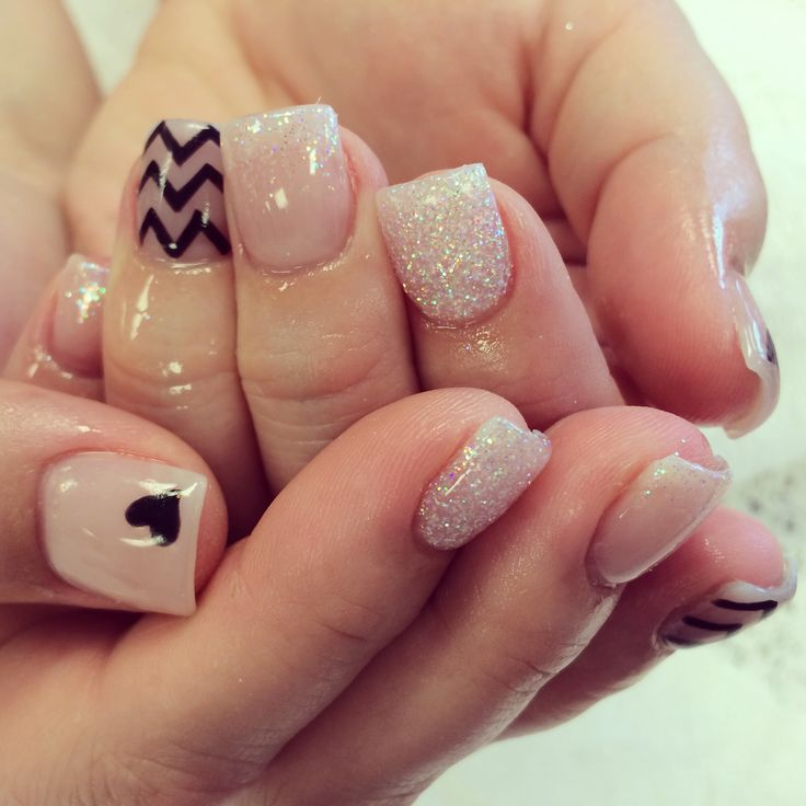 The 25+ best Clear glitter nails ideas on Pinterest ...