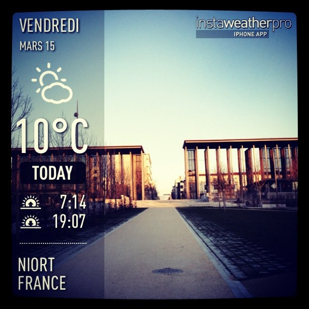je trouve que #niort était magnifique ce soir... #weather #instaweather #instaweatherpro  #sky #outdoors #nature  #instagood #photooftheday #instamood #picoftheday #instadaily #photo #instacool #instapic #picture #pic @instaplaceapp #place #earth #world # by Beer Bergman, via Flickr