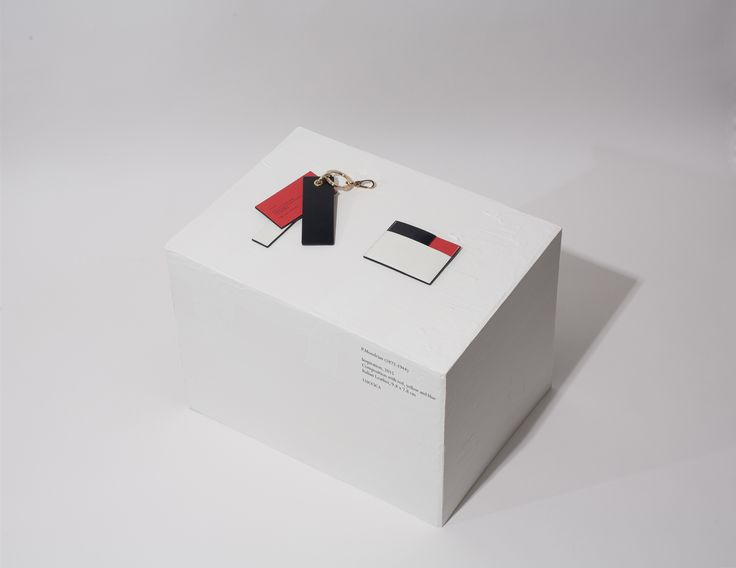 P.Mondrian charm for bags (keyring) / P.Mondrian cardwallet P.Mondrian (1872-1944) Inspiration, 2015 Composition with red, yellow and blue Italian Leather, 9.8 x 7.8cm #LUCCICA #L32 #keyring #charm #cardwallet #wallet #leather #leathergoods #15fw #Mondrian