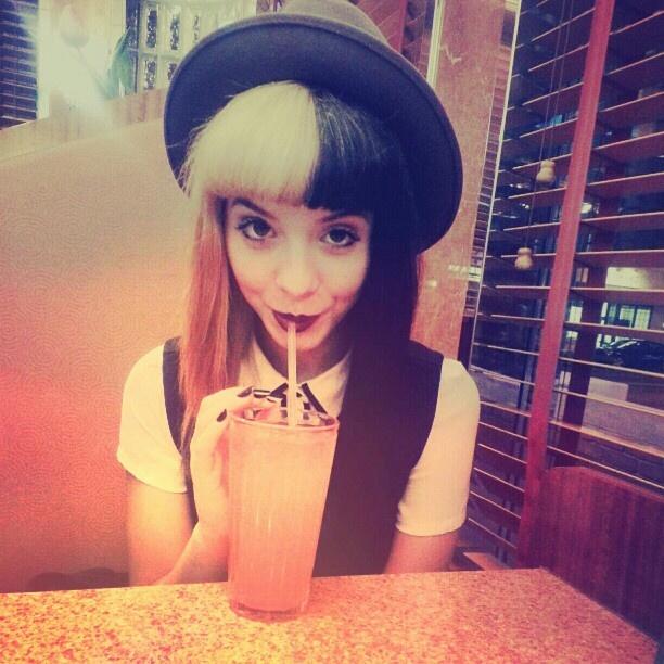 Melanie Martinez. In love with her hair <3