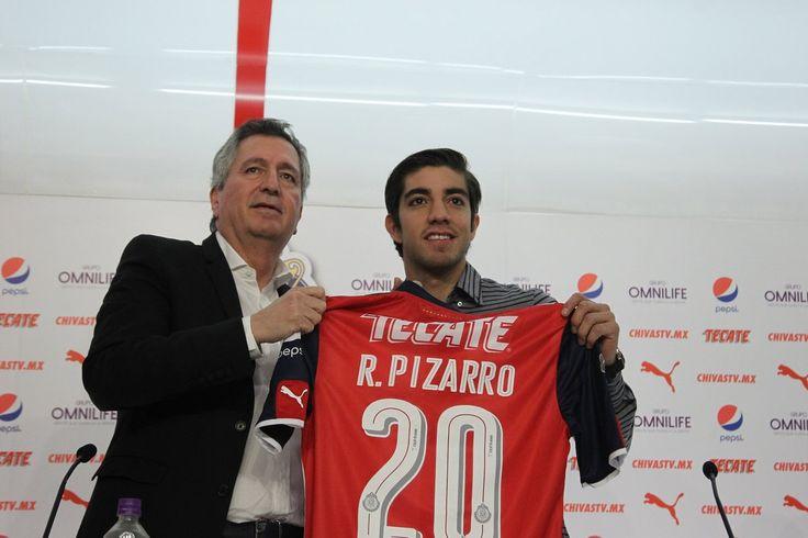 Presentación de Rodolfo Pizarro