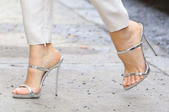 Jennifer Garner's Giuseppe Zanotti heels.