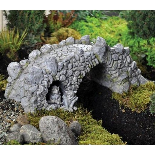 GEORGETOWN   Fiddlehead Fairy Garden Resin Troll Bridge (16539)