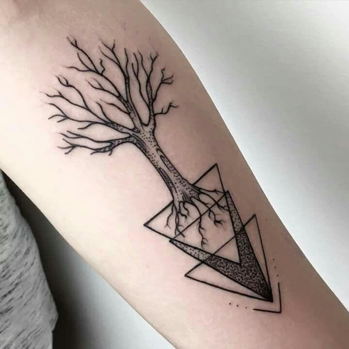 Árvore com formatos geométricos