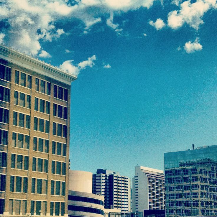 Downtown Winnipeg, MB photographer: Sarah Gurevich