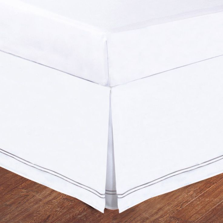 Lux Hotel Baratta Stitch on White Tailored Microfiber 14-in. Bed Skirt Silver - FRE27514SILV01