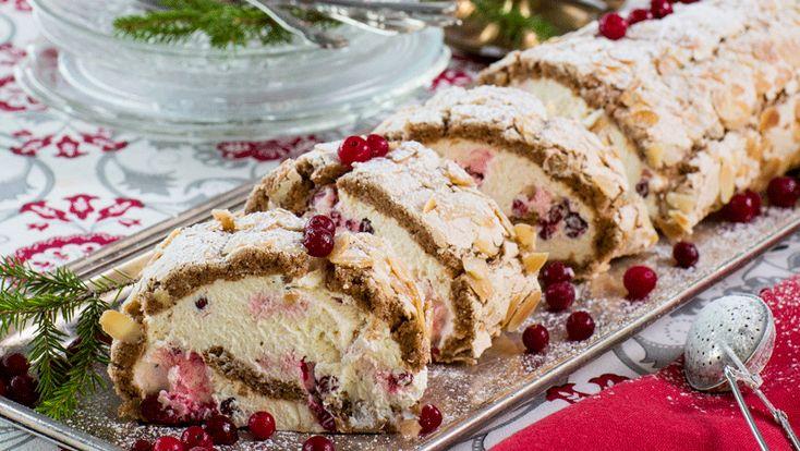 Pepparkaksrulltårta med maräng och lingongrädde – perfekt till fika eller som en söt avslutning på kvällen!