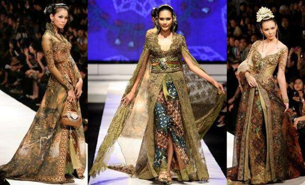 Very pretty Anna Avantie Kebaya