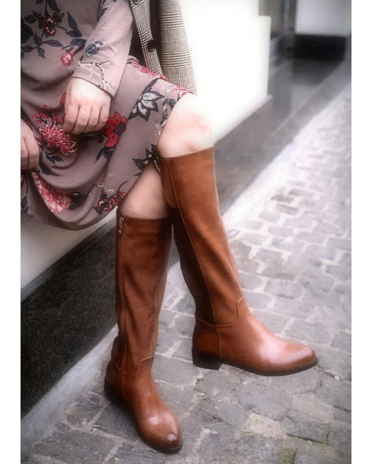 Cheers to the weekend in #MIGATO CR8487 boots!  Shop online ► bit.ly/CR8487-L23en Photo via Glafki's dolce vita