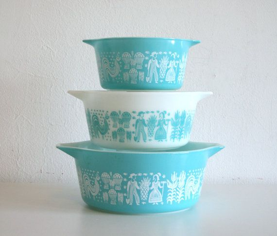 Pyrex Amish Nesting Bowls by boxofhollyhocks on Etsy: Cool Pin, Kitchens Colors, Pyrex Nests, Nesting Bowls, Pyrex Amish, Vintage Pyrex, Nests Bowls, New Kitchens, Amish Nests