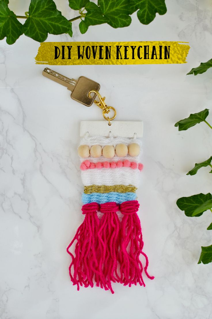 Weaver or not, you can totally make this woven keychain following some easy steps. Give those eyes something new to look at. Perfect for fall & winter season