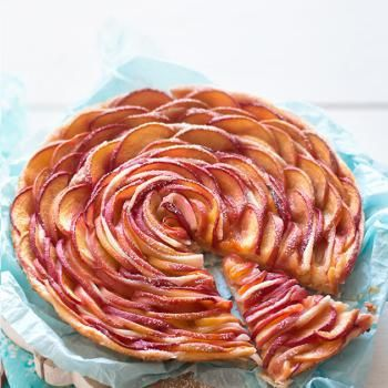 Torta di pesche e pasta sfoglia - Torta Rosa di pesche - Ricetta torta di pesche e pasta sfoglia