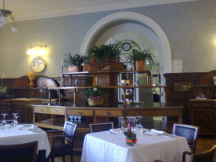 Uma das salas do Grande Hotel da Curia, Portugal