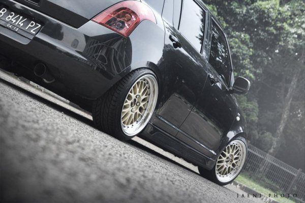 BBS LM | 17x 8 +30 front | 17x 9 +20 rear | 205/40/17