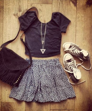 Black shirt, flower skirt, converse sneakers, triangle necklaces and a cute bag Perfect outfit for summer and spring!