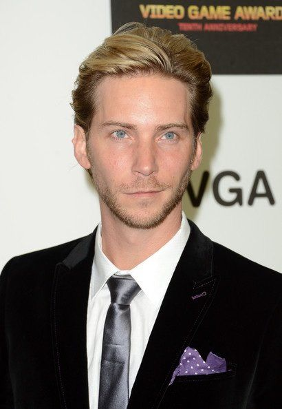 Troy Baker - This guy is awesome!