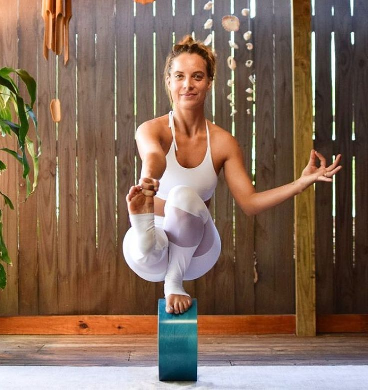Best 25+ Yoga Clothing Brands Ideas On Pinterest