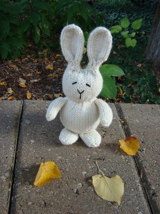 #KNIT #FREE #AMIGURUMI Bunny - FREE Knitting Pattern / Tutorial