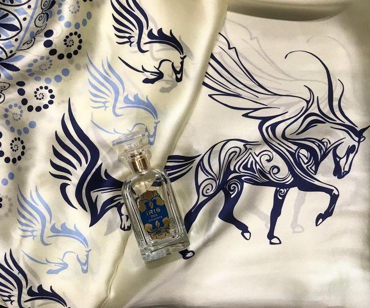 #houbigantparis #houbigant #paris #irisdeschamps #iris #perfume #niche #nicheperfume #silkscarf #ancientgreek #greek #pegasus #design #art #scarf #rosinaperfumery  #giannitsopoulou6 #glyfada #athens #greece #shoppingonline : www.rosinaperfumery.com