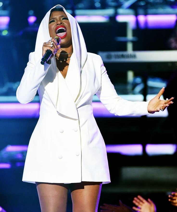 Jennifer Hudson Prince Tribute BET Awards | Jennifer Hudson gave a show-stopping tribute to Prince at the 2016 BET Awards. #refinery29 http://www.refinery29.com/2016/06/115062/jennifer-hudson-prince-tribute
