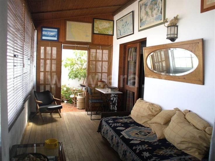 Apartamento  T3 / Vila Real de Santo António, Vila Real de Santo António - Apartamento com 3 quartos, sala com lareira e varanda ampla.Situado no centro da cidade. Vista sobre o Rio Guadiana.