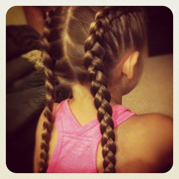 Trecce per capelli lunghi.... www.bebeblog.it