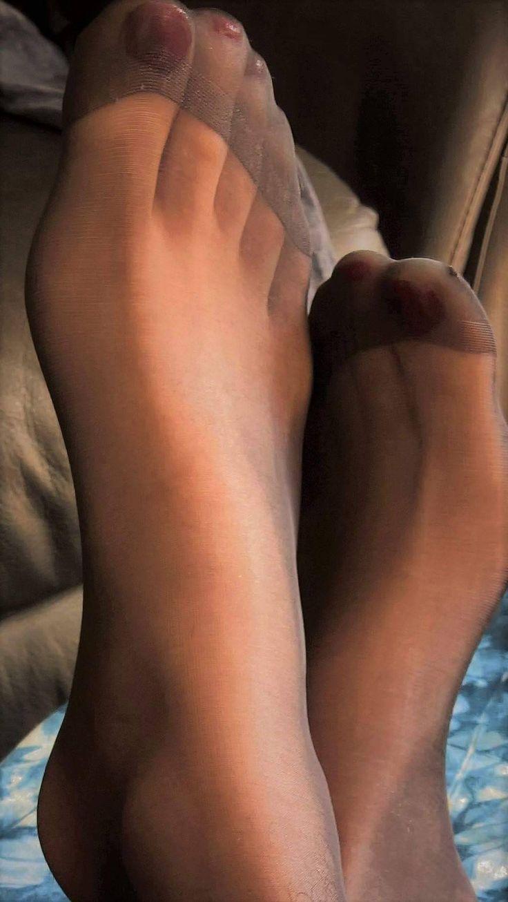 Nylon Feets 33
