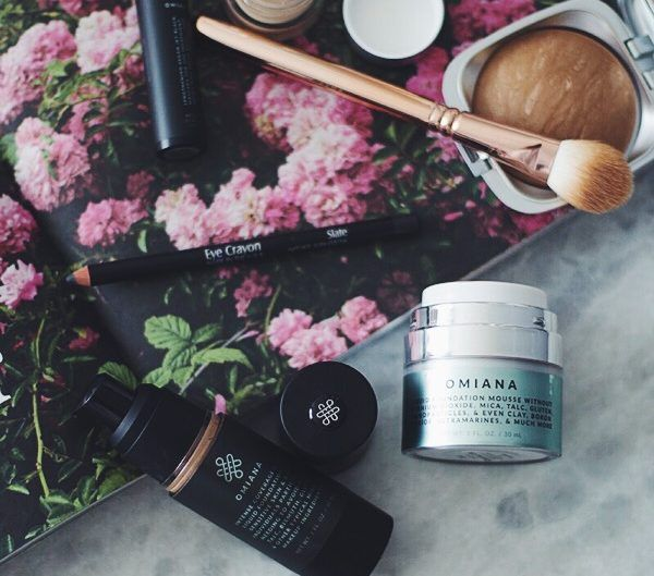 OMIANA MAKEUP & SKINCARE                        I'm so excited to be sharing my updated everyday makeup products today! A lot has changed, and I've had a lot of questions about what I use, so it's time to share! I've been wearing this makeup for weeks now, so you can see what it lo...