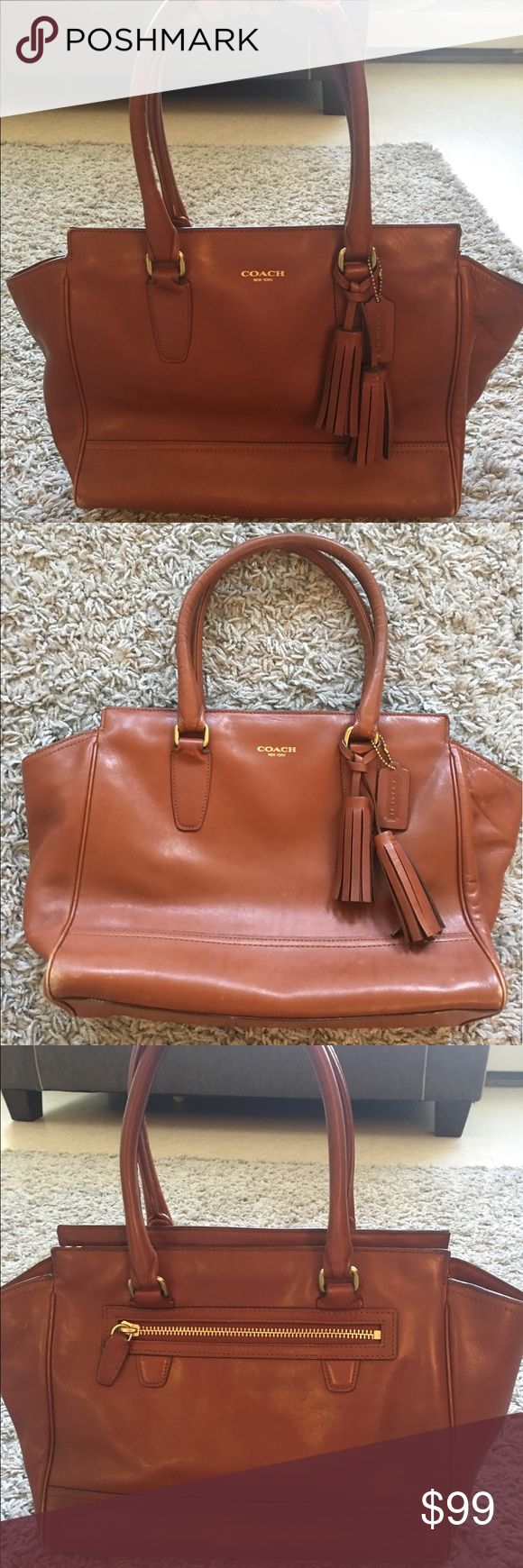 Coach leather handbag Beautiful classic authentic Coach purse. Coach Bags Shoulder Bags