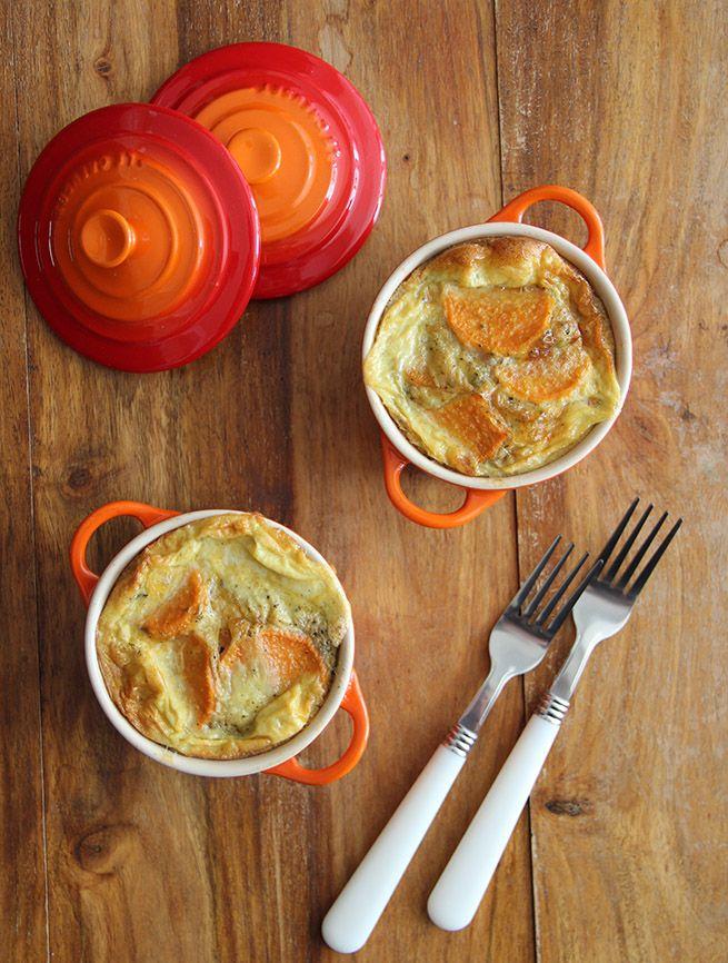 Een ideaal gerecht voor restjes; de frittata uit de airfryer. Ze zitten boordevol smaak en zijn ook nog een makkelijk te maken. Lekker voor lunch/diner.