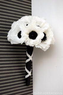 Black and white anemone bouquets #blackwhitewedding #weddingbouquets